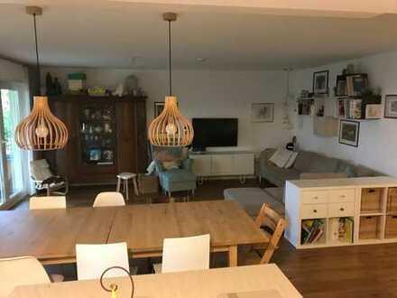Exklusive, neuwertige 4,5-Zimmer-Wohnung in Top-Lage mit großem Garten, barrierefrei, provisionsfrei