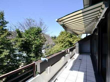 Bis in die Dachspitze geöffnet! Traumhafte 3 Zi-ETW, EBK, Fußbodenhzg., sw Terrasse & Stellplatz