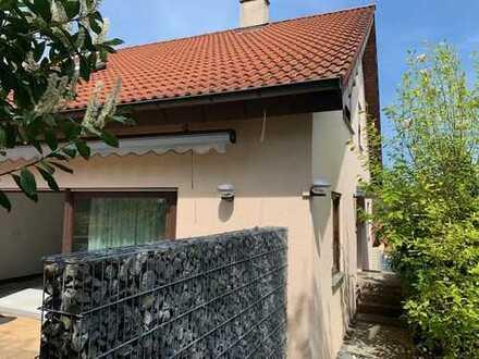 Einfamilien-Wohnhaus / DHH in schöner, ruhiger Wohnlage