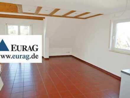 ER-Eltersdorf: Gemütliche 2-Zi-Maisonette-Whg (2.OG+DG), Balkon, Stellplatz