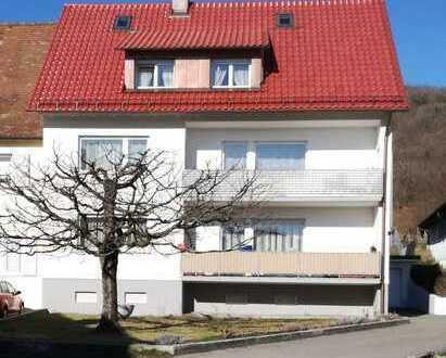 Erstbezug nach Sanierung: ansprechende 3-Zimmer-Dachgeschosswohnung mit EBK in Konstanz (Kreis)