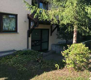 2-Zimmer-Hochparterre-Wohnung mit Balkon und EBK in Sindelfingen