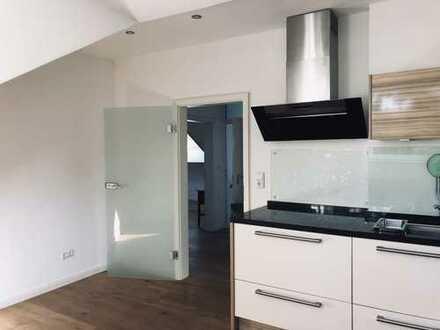 Gehobene Wohnung mit Einbauküche und Balkon: attraktive 3-Zimmer-Wohnung in Hannover