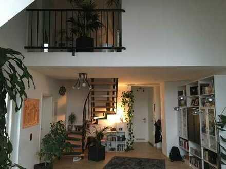 Stilvolle, neuwertige 5-Zimmer-Maisonette-Wohnung mit Balkon und EBK in Speyer
