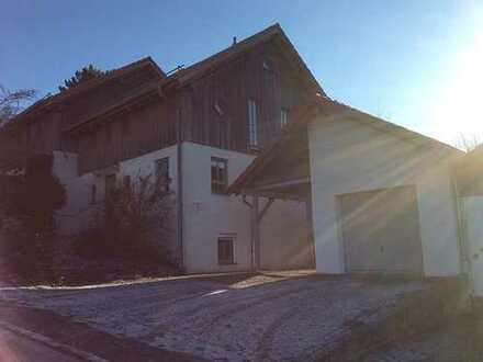 Gepflegte Doppelhaushälfte mit fünf Zimmern in Passau (Kreis), Tiefenbach