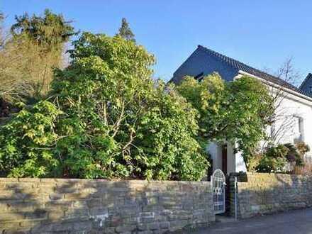 Good Looking! Frisch überarbeitetes, atmosphärisches Zuhause in grüner Ferienlage