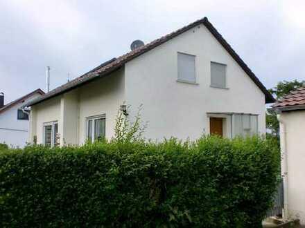 Platzwunder auch für größere Familien! Einfamilienhaus in Oberstadion-Moosbeuren