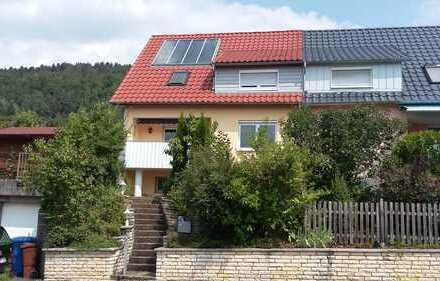 Sehr gepflegte voll möbliertes 2-Zimmer-Dachstudio in Berufstätigen WG in Wurmlingen