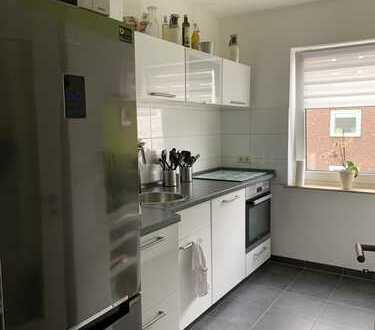 Schöne 3,5-Zimmer-Wohnung mit Balkon und EBK in der Südstadt