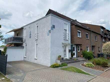 Viel Platz für Ihre Familie ETW als Haus im Haus mit Balkon und Garage !!!