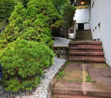 Gepflegte 3-Zimmer-DG-Wohnung mit Balkon und EBK in Remshalden