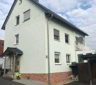 Helle 4-Zimmer-Wohnung mit Balkon und Carport