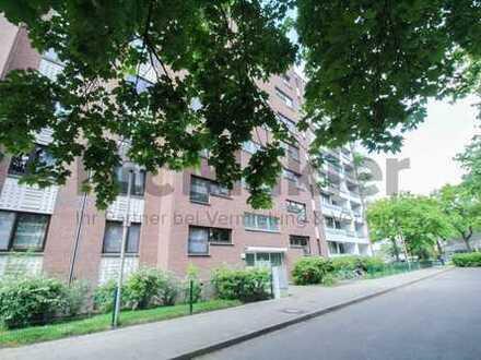 Helle 3-Zi.-ETW mit Balkon und Tiefgaragenstellplatz in grüner Umgebung