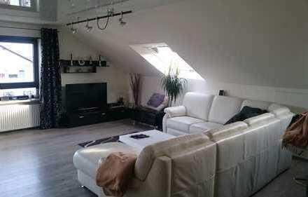 Schöne, helle 100 m² DG-Wohnung in Waghäusel