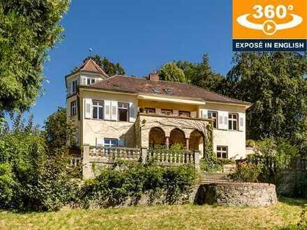 Seltene Gelegenheit: 5-Zi.-Maisonette (149 m² Wfl.) in historischer Villa mit einzigartiger Parklage