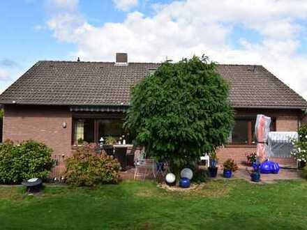 RUDNICK bietet KAUFEN-EINZIEHEN-WOHLFÜHLEN: Einfamilienhaus mit Garage & Carport in Sackgassenlage