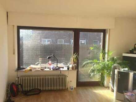 Oldenburg-Bloherfelde EG-Zimmer im EG einer DHH