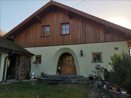 Einfamilienhaus mit Doppelgarage in Stegaurach