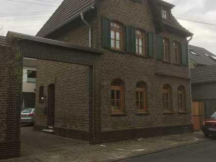 Nostalgisches Einfamilienhaus in Niederkassel