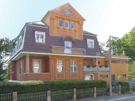 Herrschaftlicher Wohnsitz in einer denkmalgeschützten Villa