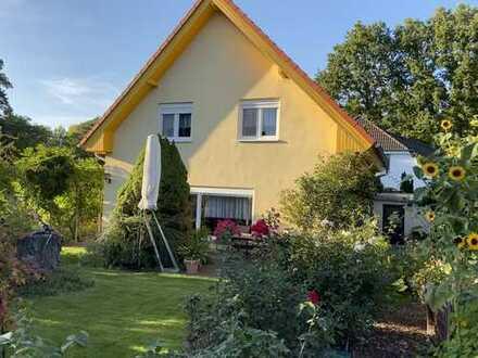Einfamilienhaus in Petershagen-Eggersdorf, 4 Zimmer auf 700 m² Garten