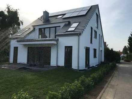 Erstbezug: geräumige 6-Zimmer-Wohnung mit Balkon in Ippendorf