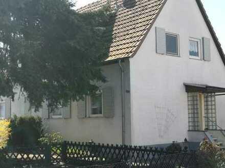 Gut aufgeteilte 2-Zimmerwohnung in ruhigem Wohngebiet. Vermietung auch an Studierende.