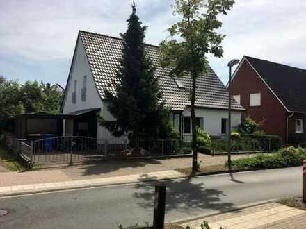Einfamilienhaus mit möglicher Einliegerwohnung wartet auf Sie