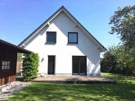 Modernes, helles Einfamilienhaus in bester Lage zu vermieten.