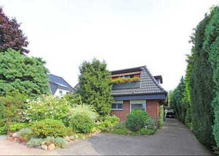 Neuwertige 4-Zimmer-Wohnung, 106 qm, mit Einbauküche und Balkon in HH-Poppenbüttel zu vermieten !