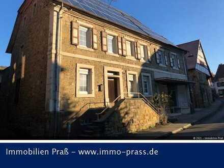Top-Gelegenheit! Denkmalgeschütztes Mehrfamiliensandsteinhaus in Odernheim zu verkaufen