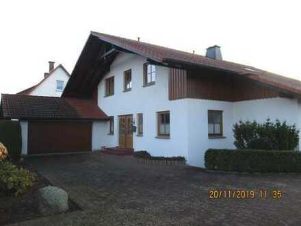 Großzügiges Zweifamilienhaus mit Keller in Hamelner Ortsteil
