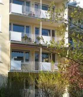 Helle 4-Zimmer Wohnung mit großem Südbalkon in Bogenhausen