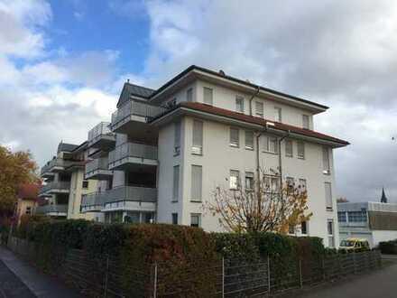 Stilvolle, gepflegte 3-Zimmer-Wohnung mit Balkon und Einbauküche in Friedberg