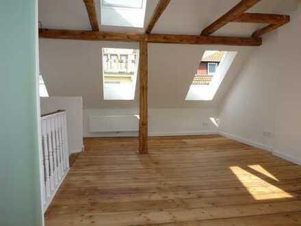 Stilvolle 2,5-Zimmer-Maisonette-Wohnung mit Einbauküche in Bremen