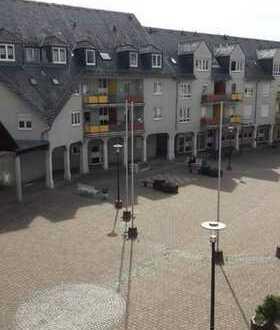 Frisch renovierte, helle, geräumige 1-ZKB in Rhein-Pfalz-Kreis, Bobenheim-Roxheim