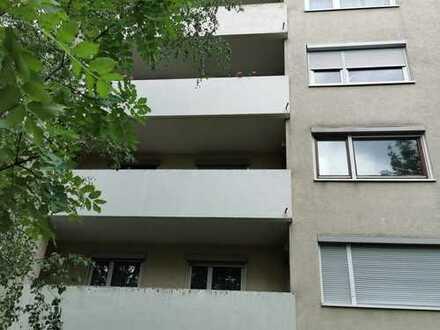 Erstbezug nach Sanierung: schöne, helle 4-Zimmer-Wohnung mit Balkon in der Heilbronner Kernstadt