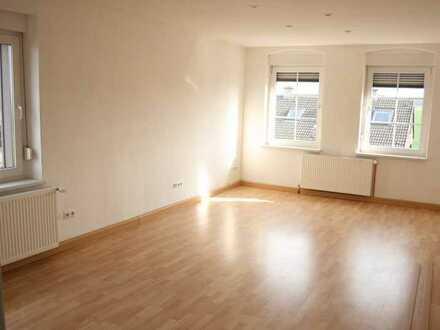 Helle und geräumige 3 1/2 Zimmer Wohnung