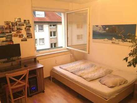 Schönes 16 qm großes Zimmer mit Südseite in zentraler Lage