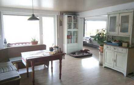 Ansprechende 3,5-Zimmer-Wohnung mit 2 Balkonen und EBK in Weinstadt Strümpfelbach