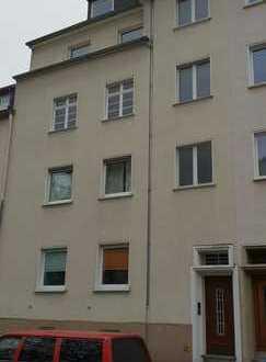 Gutgeschnittene 3-Zimmerwohnung im gepflegten 4-Parteienhaus