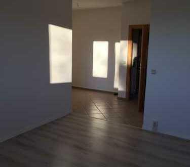 Erstbezug nach Sanierung: attraktive 2,5-Zimmer-Wohnung mit Balkon in Brand- Erbisdorf