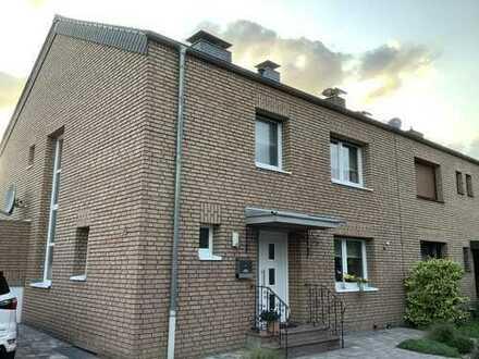 Schönes, geräumiges Haus mit vier Zimmern in Köln, Vogelsang
