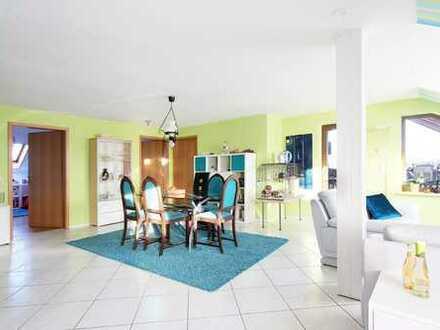 Attraktive 4-Zimmer-Wohnung in schöner Aussichtslage mit großem Hobbybereich