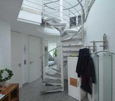 Hochwertige 3.Zi.Wohnung über 2 Etagen mit Balkon in bester Lage.