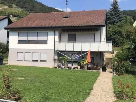 Schöne 4-Zimmer-Erdgeschosswohnung mit Balkon und Einbauküche in Tübingen