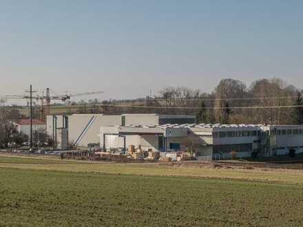 Produktions- und Logistikareal mit Verwaltungsflächen und separatem Wohnhaus