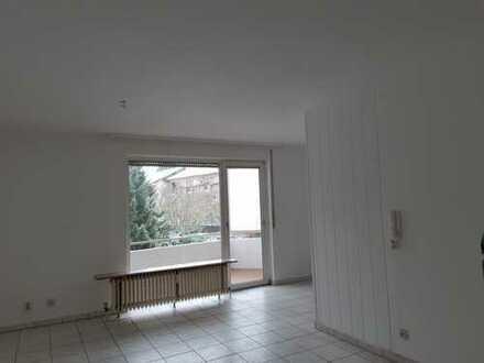 Attraktive 1-Zimmer-Wohnung mit Balkon und Einbauküche in Bad Kreuznach Winzenheim