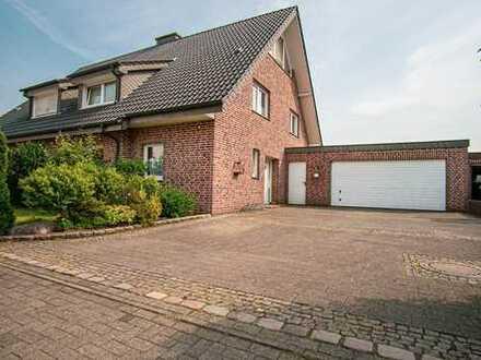 !! NEU !! Großzügige Doppelhaushälfte mit Garage und Keller in Raesfeld