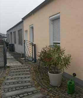 Wohn- und Geschäftshaus mit Halle, Caport, Garage Solar und PV zu verkaufen